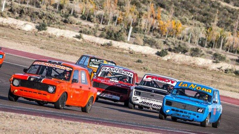 El automovilismo chubutense ya inició la actividad para la quinta fecha de la temporada que se correrá mañana en Trelew.