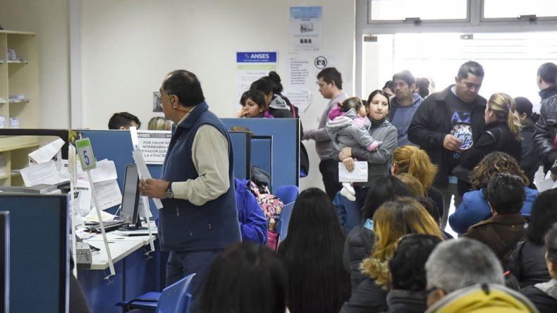 La actual oficina de ANSES suele verse desbordada a diario ante las múltiples demandas y trámites que allí se realizan.