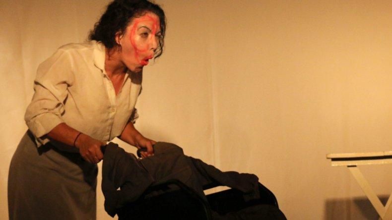 Mañana la actriz Brenda Peluffo presenta Ready Made en el Cine Teatro de Astra.