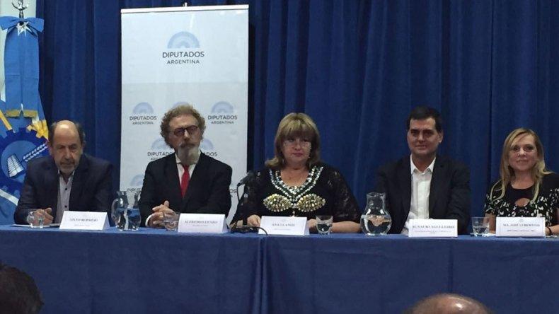 Legisladores nacionales por Chubut ratificaron un protocolo ambiental para impulsar políticas de protección de los recursos naturales
