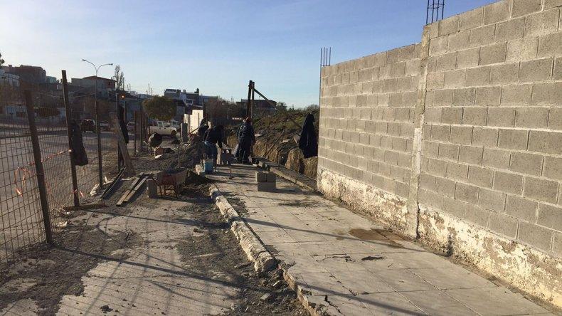 Culminan las obras de reparaci n en el pared n del for Cementerio jardin del oeste
