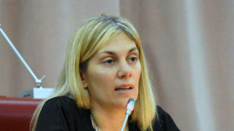 Florencia Papaiani es una de las diputadas provinciales que firma la declaración.