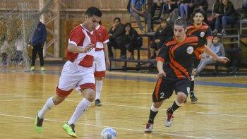 En la categoría Juvenil quedaron definidos el campeón y el tercer puesto del torneo Apertura de la Asociación Promocional.