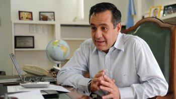 El ministro Finocchiaro suspendió la reunión que se iba a realizar hoy en Buenos Aires con representantes de los gremios docentes santacruceños y del Consejo Provincial de Educación.