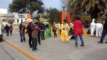 concentracion en contra de la central nuclear: la patagonia no se toca