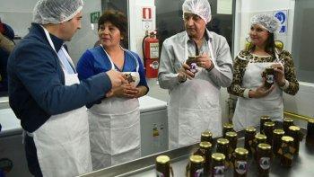 el municipio inauguro su planta de elaboracion de dulces y extraccion de miel