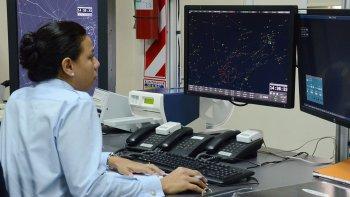 Pretenden trasladar el Centro de Control en un momento en que crece la actividad aérea en la Patagonia.
