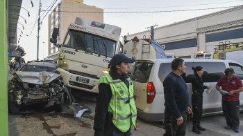 El accidente del lunes en Güemes y San Martín reabrió el debate sobre la circulación de camiones sobreel ejido urbano de Comodoro Rivadavia.