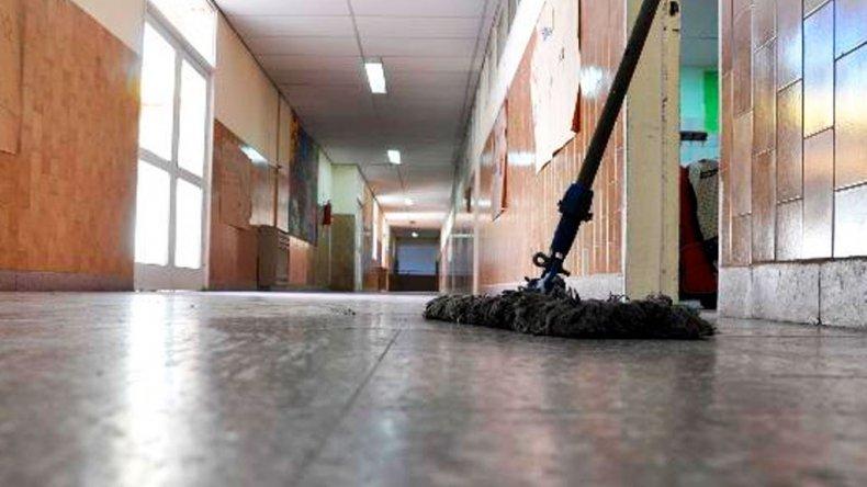 Retención de servicios a partir del lunes de auxiliares docentes