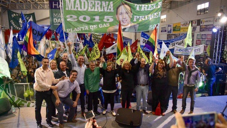 Das Neves junto a Arcioni cerró la campaña en Trelew