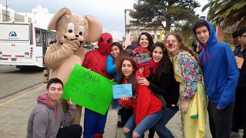 Los integrantes del Rotaract recibirán hoy donaciones en la Plaza de la Escuela 83.