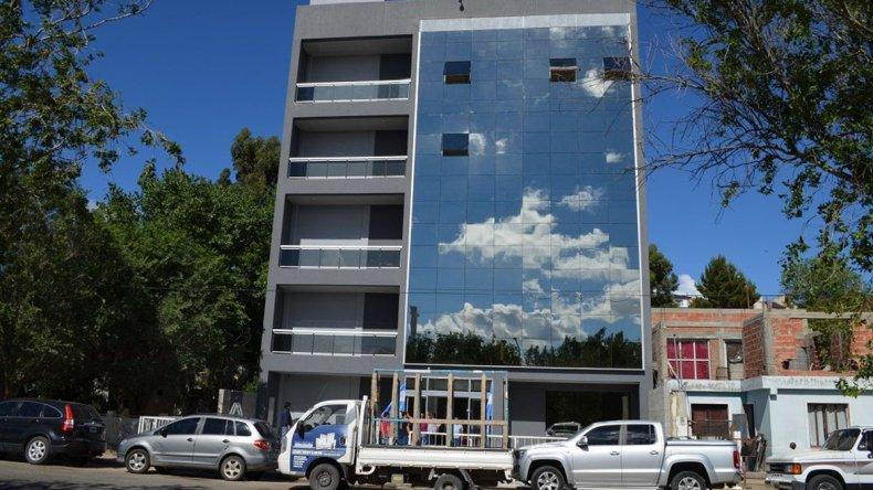 El edificio del Sindicato de Petroleros Jerárquicos en Caleta Olivia.