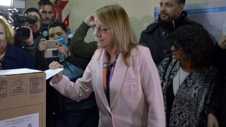 Alicia votó en Río Gallegos y destacó los 34 años de democracia