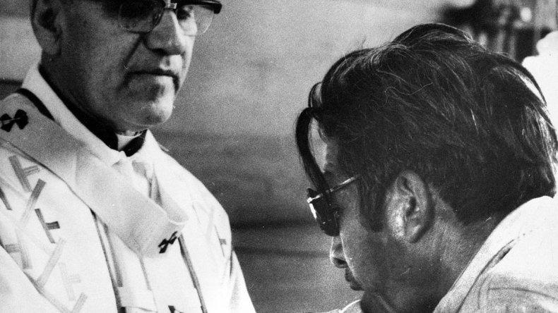 Mañana se cumplen cien años del nacimiento del arzobispo Oscar Arnulfo Romero. En 2015