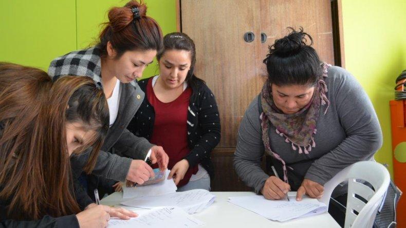 Municipio y Fundación Crecer firmaron un convenio para micro emprendimiento