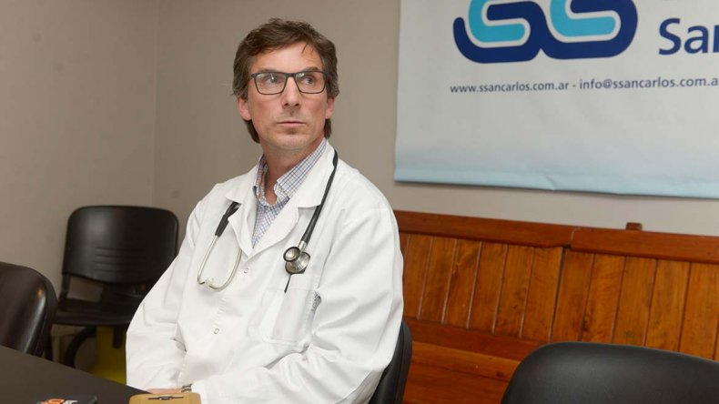 Mariano Trevisan es el director médico de la clínica donde se encuentra el piloto Mauro Giallombardo.