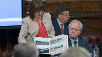 La ministra de Seguridad, Patricia Bullrich, al brindar explicaciones en el Senado sobre la desaparición de Santiago Maldonado.