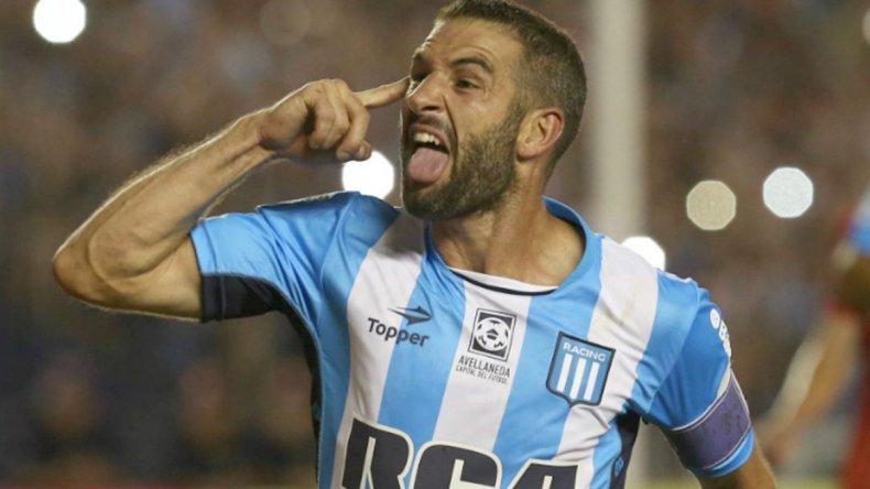 Lisandro López será titular esta noche cuando Racing se mida con Mitre de Santiago del Estero por la Copa Argentina.