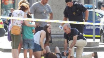 francisco condeno la violencia ciega e inhumana del atentado