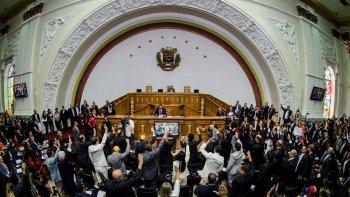 El Parlamento venezolano, que tiene mayoría opositora, ratificó ayer su vigencia.