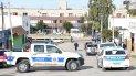 Los investigadores rastrillan la escena donde Jeremías Nogales fue baleado. Solo se hallaron rastros de sangre.