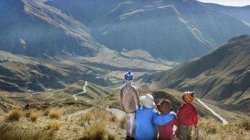 unos 500 mil turistas se movilizan en el pais por el fin de semana largo