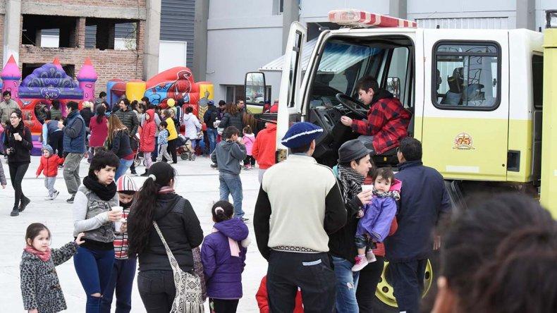 Los Bomberos Voluntarios organizaron un festejo a lo grande para el Día del Niño