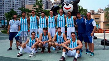 La selección argentina de básquet que se encuentra en China disputando los Juegos Universitarios de Verano.