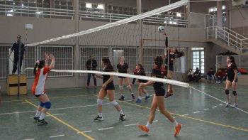 El vóleibol, tanto en masculino como en femenino, es una de las disciplinas que se lleva a cabo en Rawson.