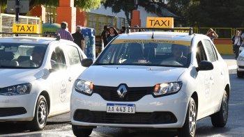 El aumento tarifario sugerido por el Ejecutivo para el servicio de taxis es del 32,3%.