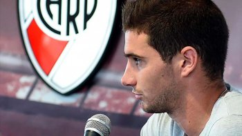 Lucas Alario abrió el paraguas y confirmó que es pretendido por el fútbol alemán.