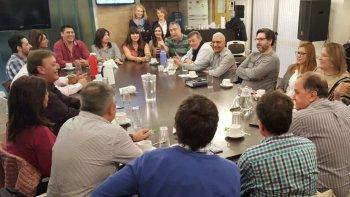 La reunión que se realizó ayer en la sede del Sindicato de Luz y Fuerza, en Trelew.