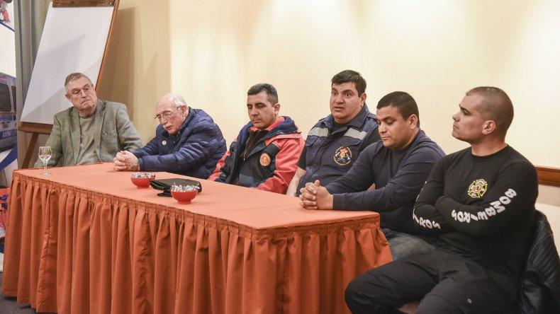 Más de 40 bomberos se capacitan para celebrar el aniversario del Destacamento 2