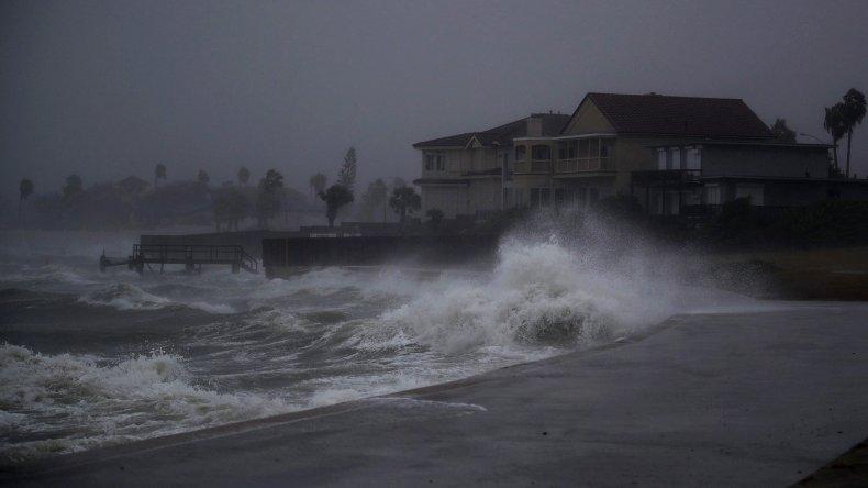 Estados Unidos azotado por el huracán Harvey: temen graves inundaciones