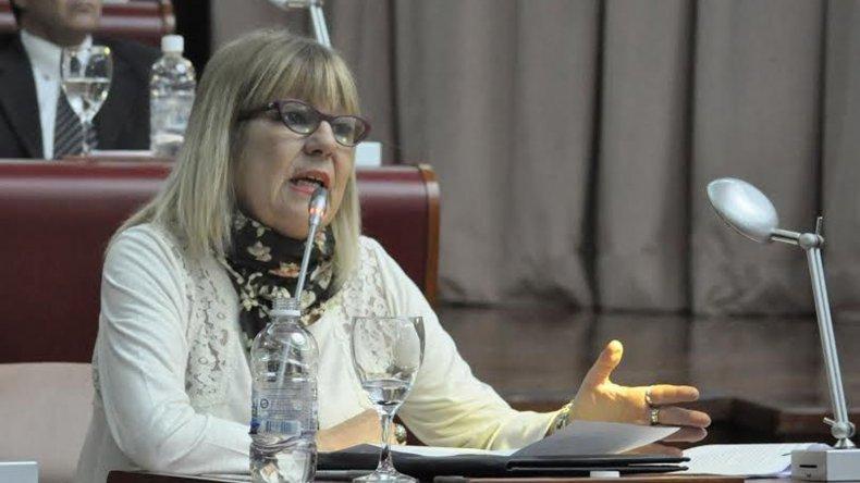 La diputada Estela Hernández es una de las autoras de la iniciativa.
