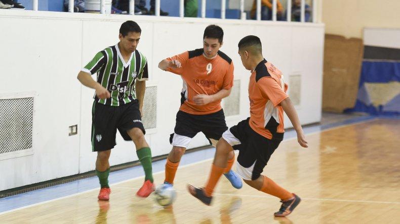 Club La Mata mantuvo la categoría al dar vuelta la serie ante La Cumbre Futsal.