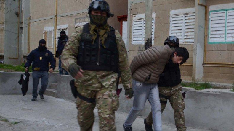 El sospechoso Gustavo Palacios fue detenido en uno de los edificios de departamentos del barrio Gobernador Gregores.