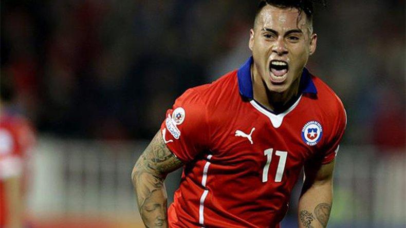 Eduardo Vargas acompañará en el ataque a Alexis Sánchez cuando esta tarde Chile visite a Bolivia.