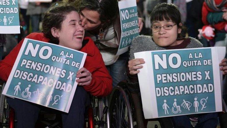 Ordenan restablecer las pensiones por discapacidad en todo el país