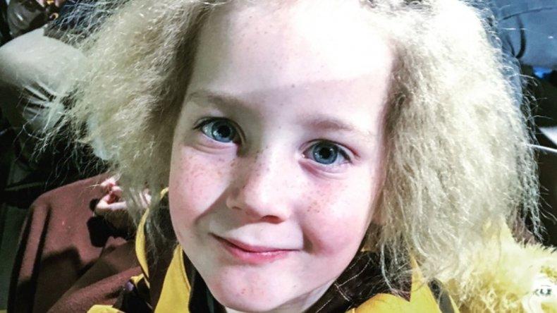 La nena con el pelo impeinable causa sensación en internet