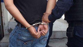uno de los detenidos en la zona comercial de polonia pasara un mes en prision preventiva