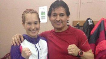 Alejandra China Zamora ganó en casa y espera junto a su entrenador, y padre, un nuevo pleito para el mes de octubre.