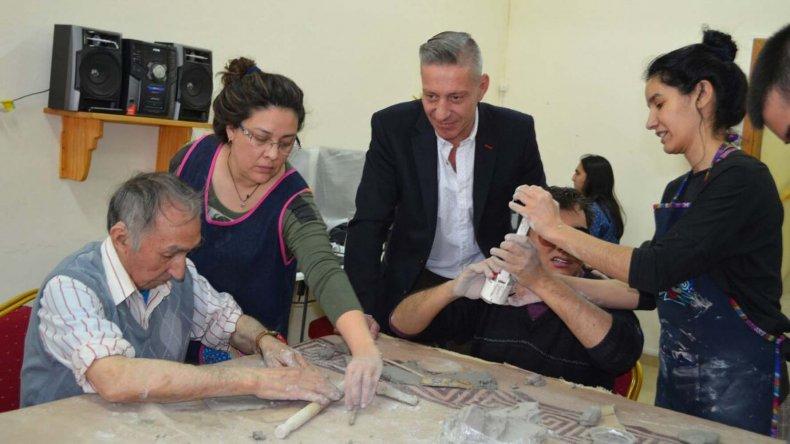El vicegobernador Arcioni visitó el Centro Luis Braille