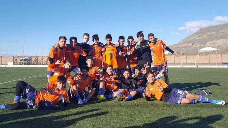 La categoría 2003 de la CAI ganó casi todos los partidos por goleada en el Torneo Alberto Bórquez.