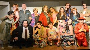 El grupo Amakaik, esta noche a las 21, pondrá en escena la obra Modistos en apuros, en la apertura de Esperamos la primavera en Astra.