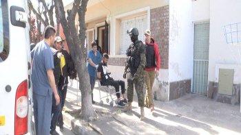 un hombre armado tuvo a su expareja e hijos de rehenes