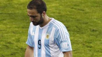Gonzalo Higuaín otra vez no fue tenido en cuenta por el entrenador Jorge Sampaoli para los dos últimos partidos cruciales por Eliminatorias Sudamericanas.