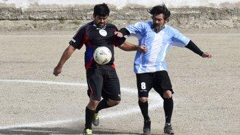 El fútbol de veteranos continuará esta tarde con la disputa de sus campeonatos.