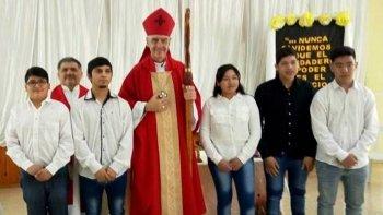 el obispo celebro misa en jaramillo