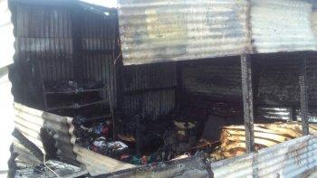 una familia perdio todo en un incendio y necesita ayuda